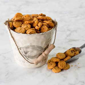 Lowcountry Ceramic Bucket & 16oz Cheddar Pecan Biscuit bag